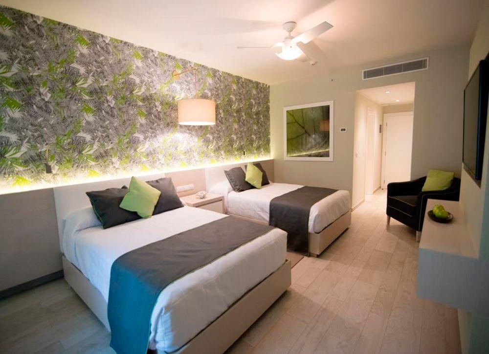 В отеле Grand Paradise Bavaro Beach Resort Spa & Casino 4* (Доминикана, Пунта Кана):