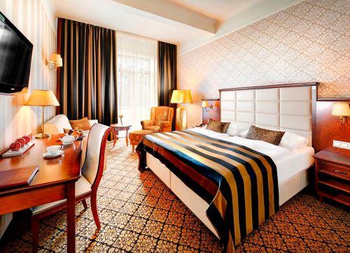 Grand Hotel Praha 4*