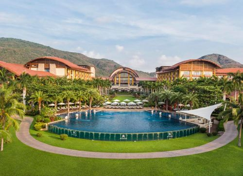 The St. Regis Sanya Yalong Bay Resort 5*
