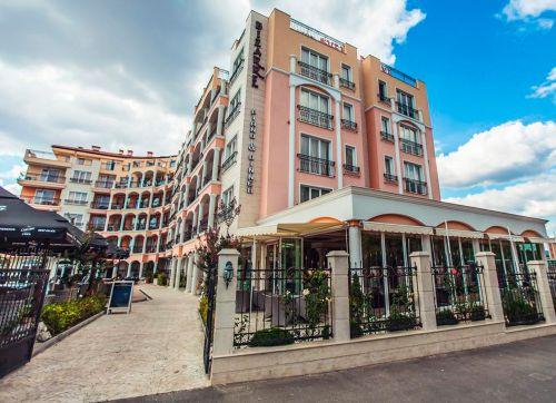 Avenue Deluxe Aparthotel 4*