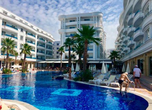 Grand Blue Fafa Resort 5*