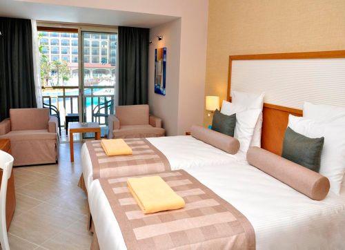 Paloma Oceana Resort 5*