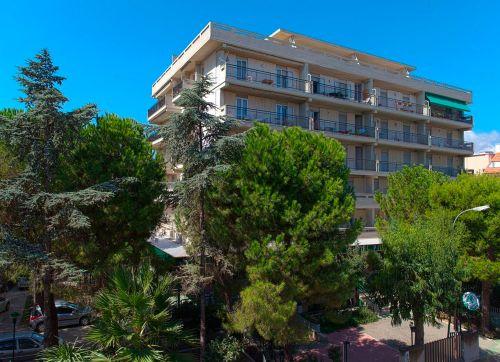 Hotel Pineta 3*
