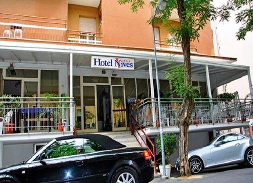 Hotel Nives 3*