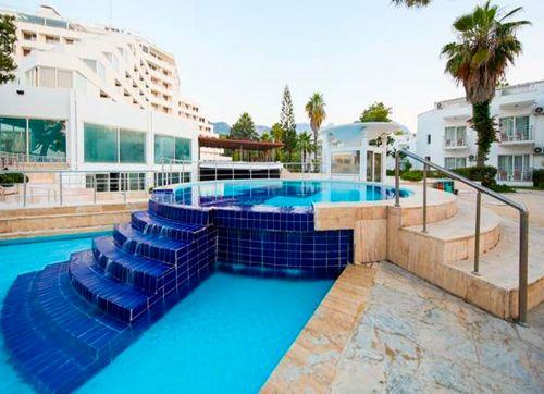 TUI FUN&SUN Comfort Beach Resort 5*