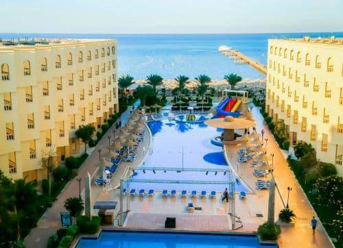 AMC ROYAL HOTELS & SPA  5 *