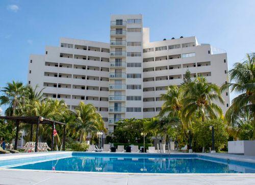 Calypso Hotel Cancun 3*